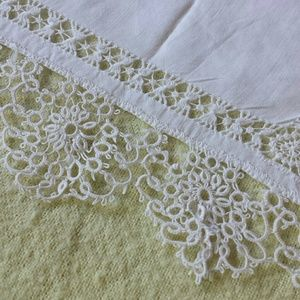 1950s Victorian Edged Kerchief